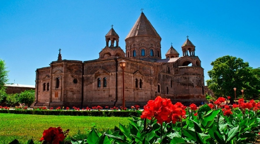 From Yerevan to Etchmiadzin  <br /> (8 hours)